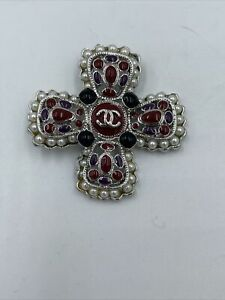 CHANEL Gripoix Poured Glass Pearl Maltese Cross Necklace  READ DESCRIPTION