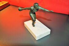 Statue trophée ancien en régule - joueur de boules bowling socle en marbre blanc