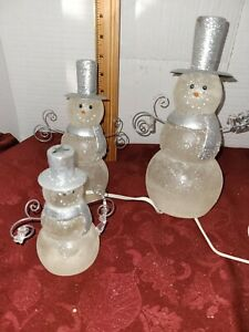 VINTAGE COLLECTIBLE CHRISTMAS WINTER LIGHTED SNOWMEN  SET OF 3 9,7,5IN TALL