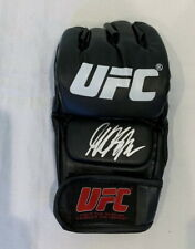 Georges St-Pierre signed UFC MMA glove GSP Proof