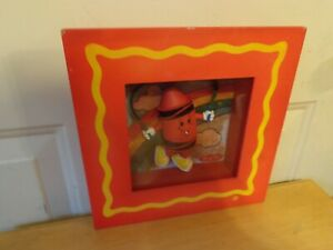 RARE CRAYOLA RED COLOR JUMP ROPE CHILD'S BABY NURSERY GLASS PICTURE FRAME DECOR