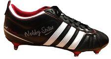 Coupe du Monde 1966 Hero Nobby Stiles signé Rétro Adidas Boot UACC concessionnaire