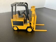 Caterpillar M50B Fork Lift By NZG 1/25th Scale    225 Hard To Find Rare Vintage!