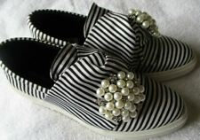 WENDY WILLIAMS BLACK/WHITE STRIPED PEARL BROOCH SHOES SIZE 7 1/2