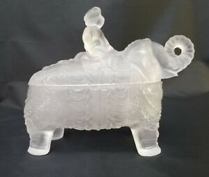 Portieux Vallerysthal rider on elephant frosted pressed glass bonbon  / covered
