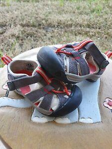 Keen Newport H2 Gray/Orange Toddler 5C