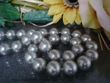 Collier 51cm aus MuschelkernPerlen 12mm in Tahiti-Grau mit Magnetvers. Geschenk