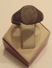AMAZING POST-MEDIEVAL BRONZE RING WITH ENGRAVING ON THE TOP # 997