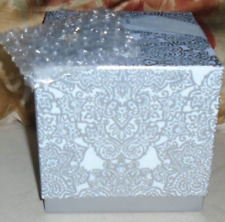 GIANNA ROSE ATELIER - 3 SNOWFLAKE SHAPED SOAPS WITH DISH - BEAUTIFULLY WRAPPED