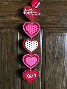 """Valentines Welcome Wall Sign Hearts Decor 22.5"""" New"""