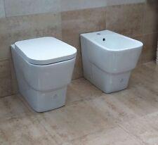 SANITARI A TERRA FILO MURO VASO WC + BIDET + COPRIVASO/SEDILE SOFT-CLOSE.