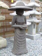 bouddha femme au chapeau ,statue en pierre patinée, nouveau !!