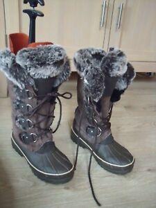 Khombu Brown Suede Faux Fur Winter Boots Size 4 Super Condition