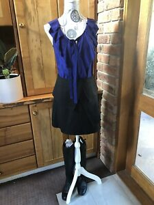 Cue skirt size 10  RRP $149 As New