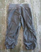 IVIVVA by Lululemon Gray LIVE to MOVE Unlined Athletic CROP Capris Girl Size 12