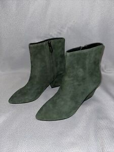 NWOB Botkier NY Emerald Green Suede Zip Pointy Ankle Slim Heel Boots, Sz 5.5