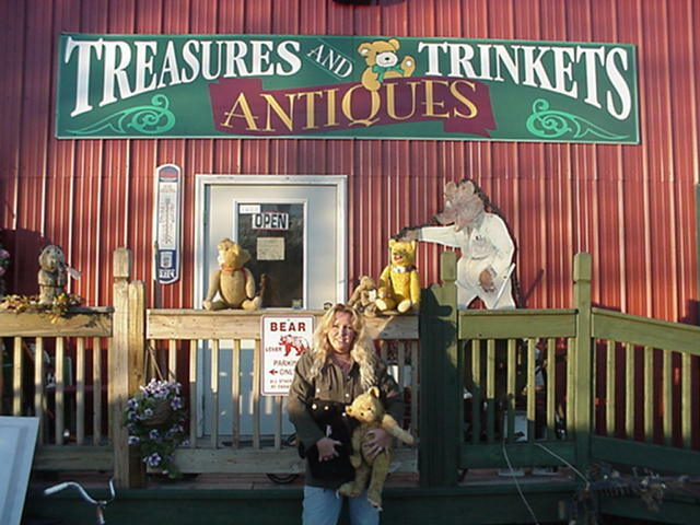 TREASURES AND TRINKETS ANTIQUES