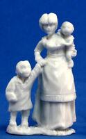 1 x VILLAGEOIS MERE ENFANTS - BONES REAPER miniature townsfolk mom kids 77087