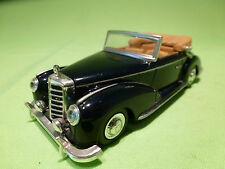 NEW-RAY MERCEDES BENZ 300S CABRIO 1955 BLUE 1/43 - VERY GOOD CONDITION