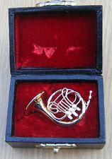 SCALA 1:12th Corno Francese & Custodia Nera Casa delle Bambole Miniatura Strumento Musicale 158