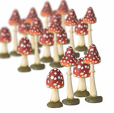 Schwammerl Pilzgruppe aus Resin B 9,5 cm Pilz H 13,5 cm Fliegenpilze