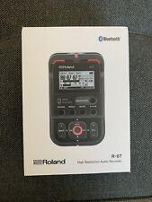 Roland R-07 High Resolution Portable Audio Recorder, Black