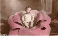 BJ559 Carte Photo vintage card RPPC enfant fauteuil fleur design colorié bébé