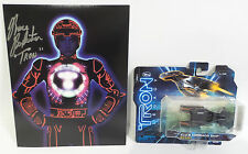 TRON : TRON PHOTO SIGNED BY BRUCE BOXLEITNER WITH CLU'S COMMAND SHIP MODEL