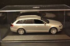 Audi A6 Avant C6 2004 Minichamps diecast vehicle in scale 1/43