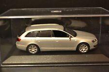 Audi A6 Avant C6 2004 Minichamps diecast vehicle in scale 1/43
