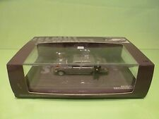MINICHAMPS MERCEDES BENZ 300 SEL -1970 HELMUT SCHMIDT - GREY 1:43 - EXCELLENT