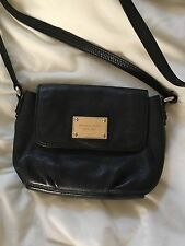 michael kors crossbody black with gold hardware leather