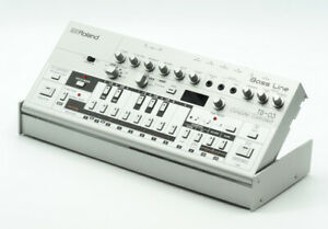 ROLAND BOUTIQUE TB-03 BASS LINE SYNTH - EXCELLENT & BOXED!
