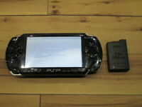Sony PSP 1000 Console Piano Black w/battery Pack Japan o889