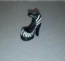 1 Chaussure Monster High Frankie Stein. Pied gauche.
