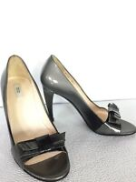 Prada Two Tone Patent Leather Bow Black Gray Pumps Heels Shoes Size 35.5 5.5