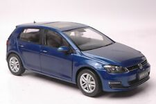 Volkswagen Golf 7 car model in scale 1:18 blue