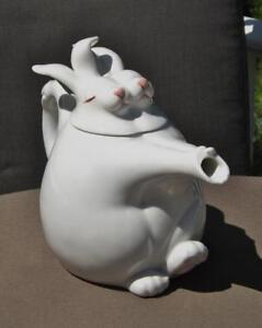 Fitz & Floyd Teapot Rabbit Holding Hands Dancing Bunny Hop 24 oz