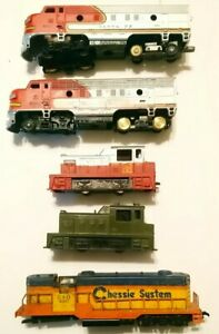 Tyco and AHM HO Train Lot 5 Diesel Locomotives For Parts/Repair C-1