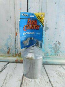 Ertl Farm Country Grain Bin Of Animals Set 1:64 Scale Model NOS (Package Wear)