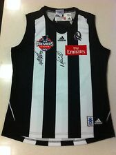 COLLINGWOOD 2010 PREMIERS JUMPER HAND SIGNED COACH MALTHOUSE AND CAPT. MAXWELL