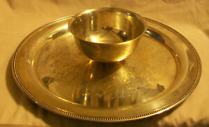 ONEIDA / WM. A. ROGERS SILVERPLATE SERVING TRAY WITH BOWL