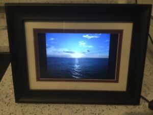 """HP 7"""" Diagonal Digital Picture Frame and all cables and remote"""