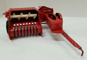Vintage WORKING Tru-Scale Model 1/16 Square Hay Baler Farm Tractor Implement