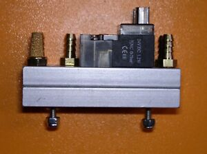 2 pieces high speed solenoid on base plate for Pick and Place.
