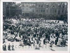 1947 Life of Christ Ceremony Place du Bourg Bruges Belgium  Press Photo