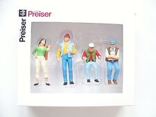 Preiser 1:32 scale Three TRUCKERS and A Hitch Hiker : FOUR Figures # 63071-2