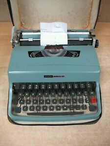 Olivetti Lettera 32 Typewriter Mid Century Modern Underwood Vintage w/ Case