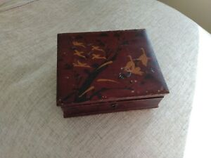 VINTAGE ORIENTAL CHINESE / JAPANESE LACQUERED WOOD BOOK BOX , CRANE BIRDS 20/30S