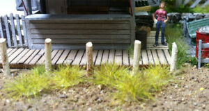 "Bachmann - Grass Tufts - SceneScapes® -- Tan 1/4""  .6cm Tall Fibers pkg(100)"